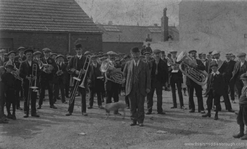 East_Cleveland__typical_miners__ensemble.__1910-1915.jpg
