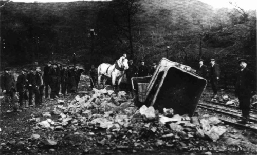 Guisborough__Belmont_Mines__wagons_skelled_over_1910_1.jpg