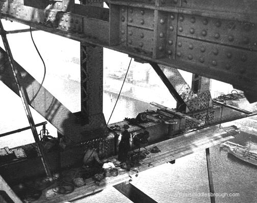 men working on newport bridge