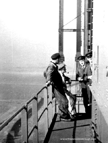 newport bridge workmen