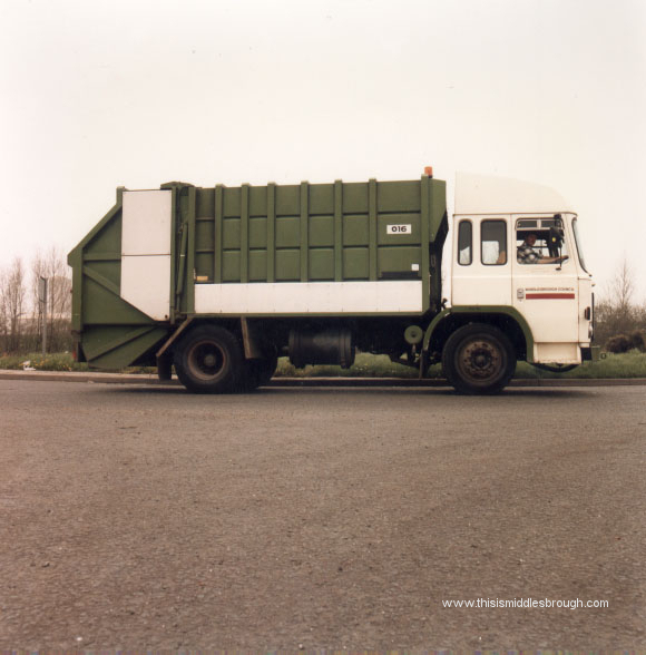 refuse collection vehicle 1980